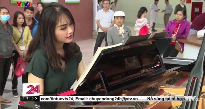 co giao day piano xinh dep anh 4