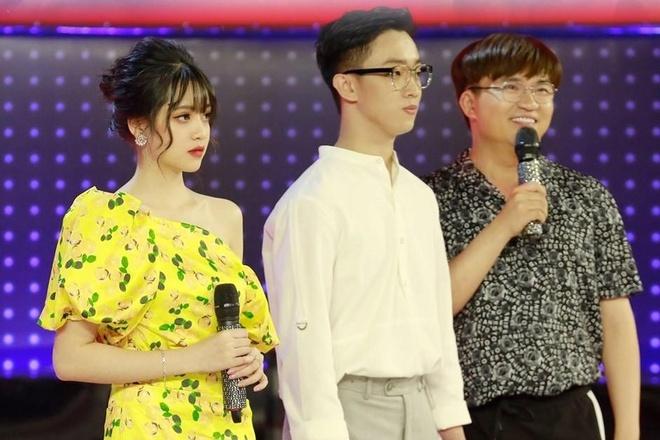 Hot girl Hoc vien Hang khong: 'Muon vao showbiz nhung chua co co hoi' hinh anh 1