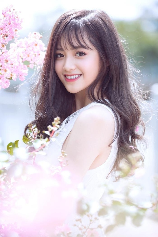 Hot girl Hoc vien Hang khong: 'Muon vao showbiz nhung chua co co hoi' hinh anh 6