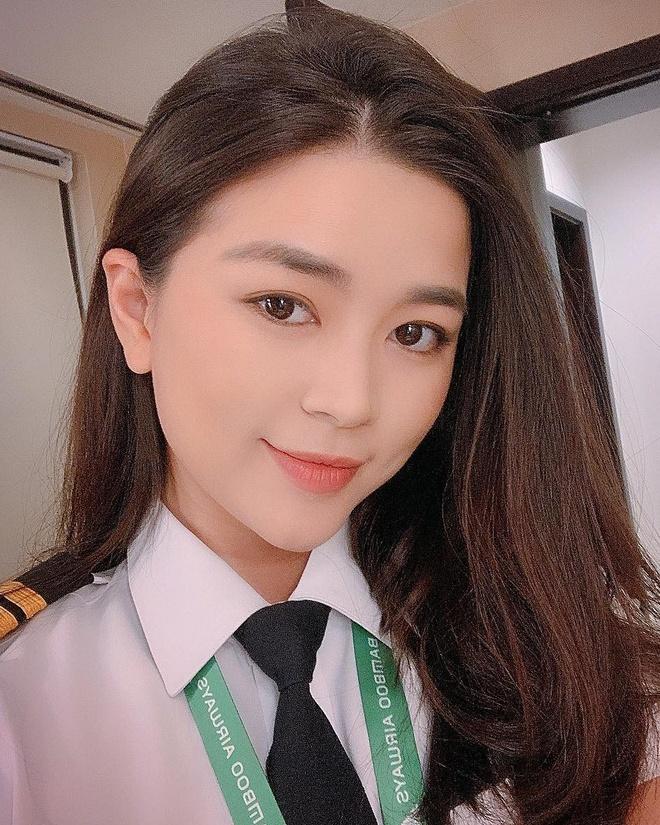 Hot girl nganh hang khong: Nguoi lay chong Tay, nguoi di thi hoa hau hinh anh 5