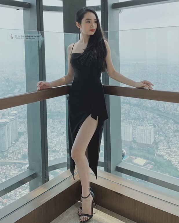 Hoa khoi 2K cua DH Ton Duc Thang va dan hot girl den tu Kon Tum hinh anh 3