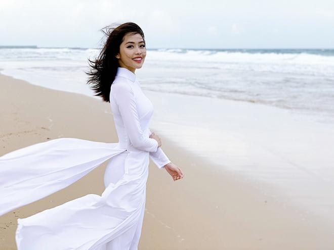 Hoa khoi 2K cua DH Ton Duc Thang va dan hot girl den tu Kon Tum hinh anh 9