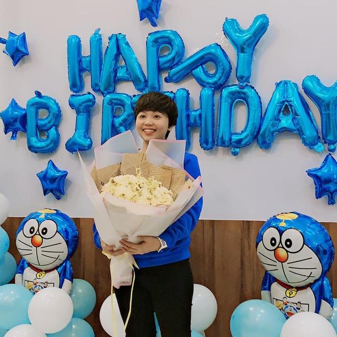 Co gai 27 tuoi thiet ke phong ngu ngap tran hinh Doraemon hinh anh 5