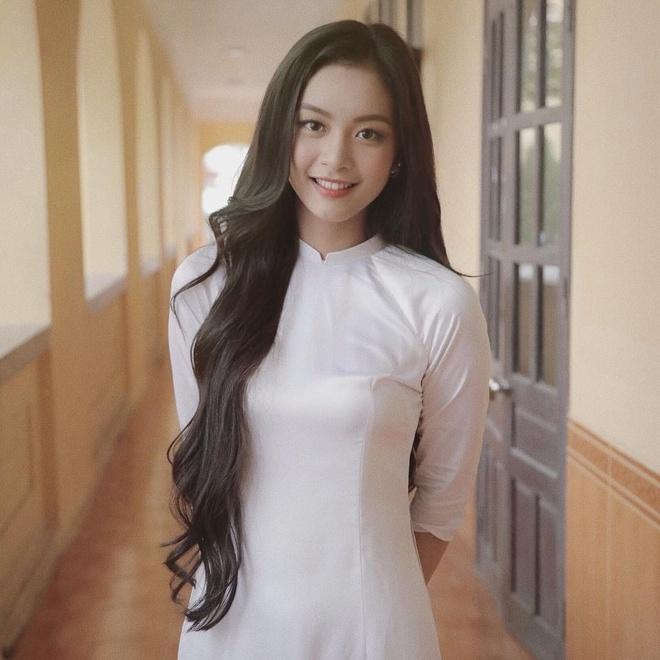 Hot girl Hai Phong nguoi la nang tho, nguoi streamer co style noi loan hinh anh 5