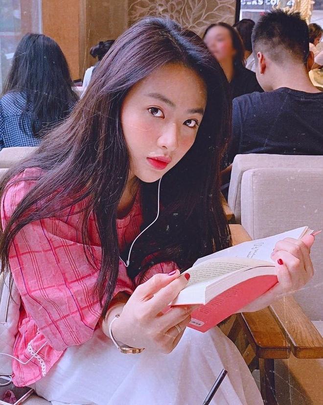 Hot girl Hai Phong nguoi la nang tho, nguoi streamer co style noi loan hinh anh 2