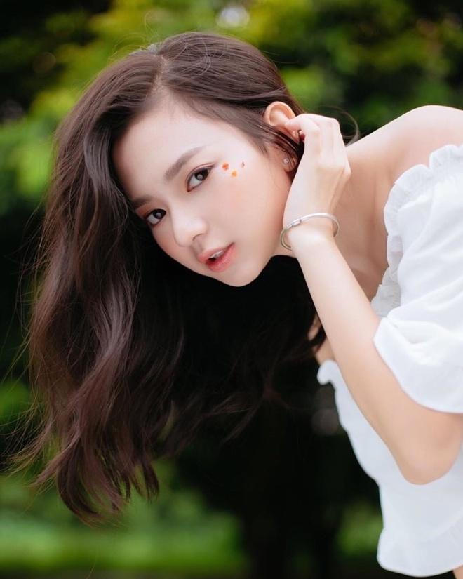 Hot girl Hai Phong nguoi la nang tho, nguoi streamer co style noi loan hinh anh 13