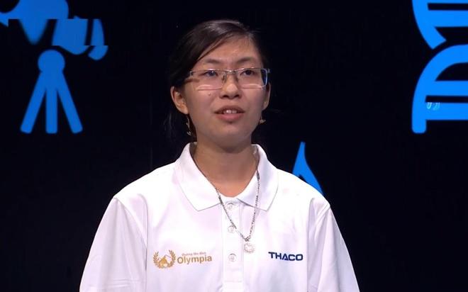 Nu sinh Ninh Binh khoi dong an tuong voi 100 diem hinh anh
