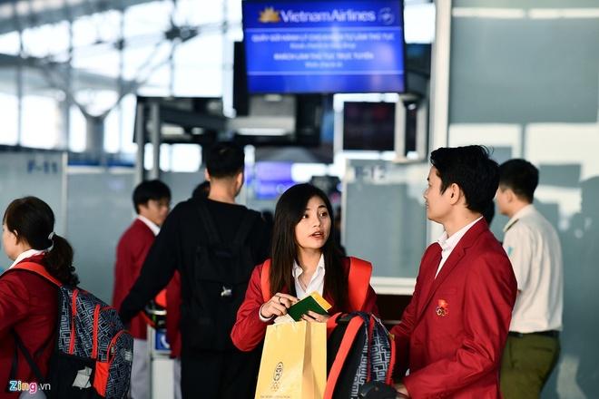 Nhan sac nhan vien y te cung Doan the thao Viet Nam du SEA Games 30 hinh anh 1
