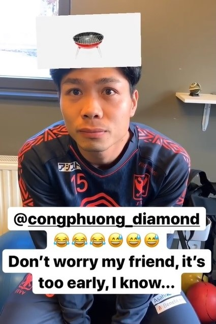 Cong Phuong ngo ngac khi choi do vui voi dong doi o Bi hinh anh 1