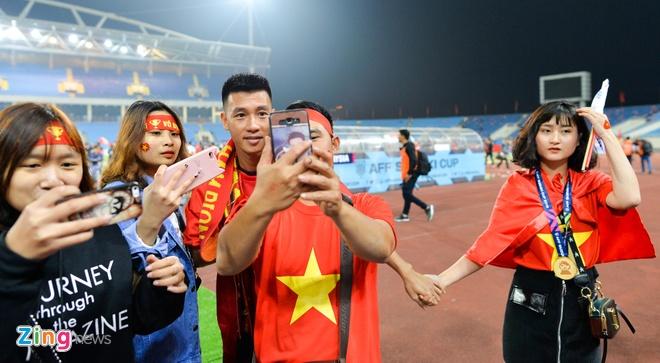 Tu AFF Cup den SEA Games, Van Hau va cac cau thu deu tang ban gai HCV hinh anh 9