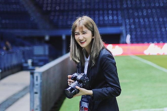Hot girl xu chua Vang dan doan cho thay tro HLV Park tai U23 chau A hinh anh 3 65393286_129004564976539_1845825966126168967_n.jpg