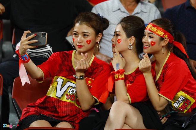 Duong tinh duyen cua Quang Hai voi 4 hot girl 9X hinh anh 4 d39.jpg