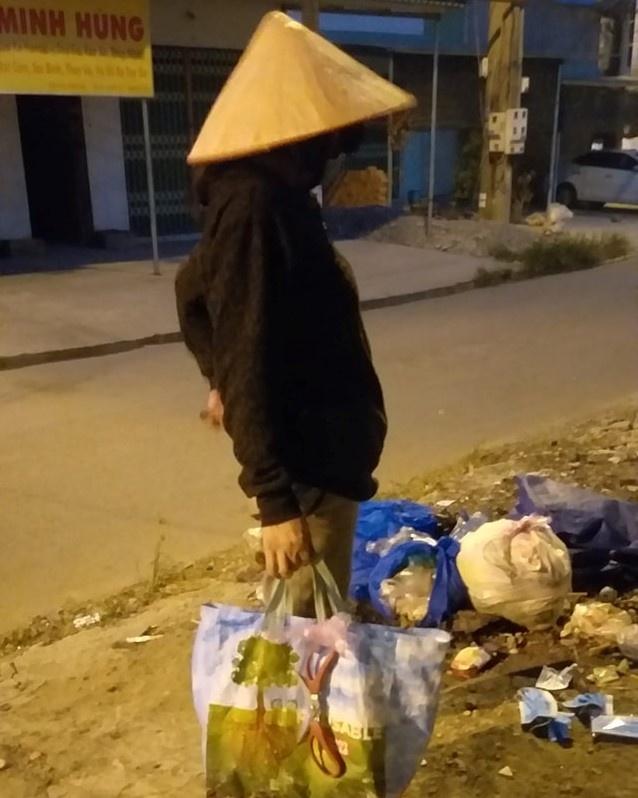 Co luom ve chai cat doi khau trang cu de ke xau khong ban lai hinh anh 2 90177791_1539520786212094_3163299153589567488_o.jpg