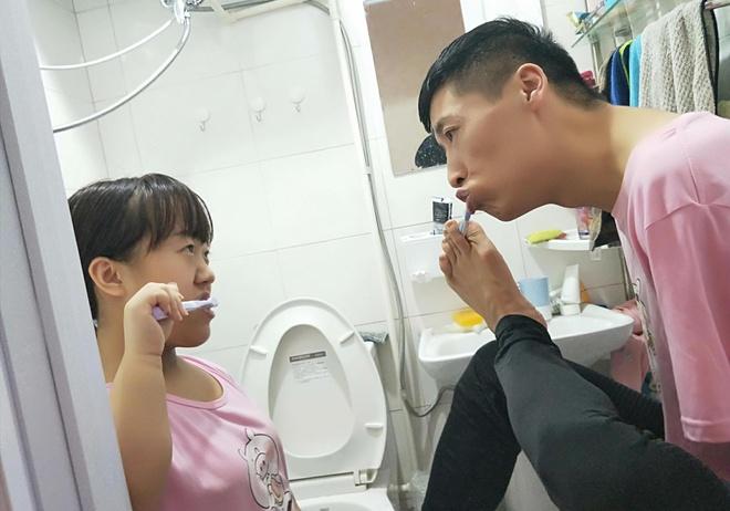 Chuyen tinh chenh 11 tuoi cua co gai 1,1 m va chang trai khong tay hinh anh 5 6.jpg