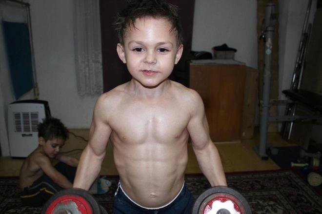 'Hercules Romania' co co bap cuon cuon anh 4