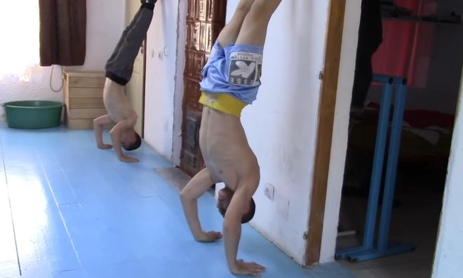 'Hercules Romania' co co bap cuon cuon anh 11