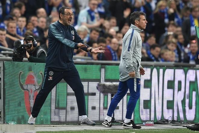 HLV Mourinho: 'That may man khi toi khong o trong tinh canh cua Sarri' hinh anh 1