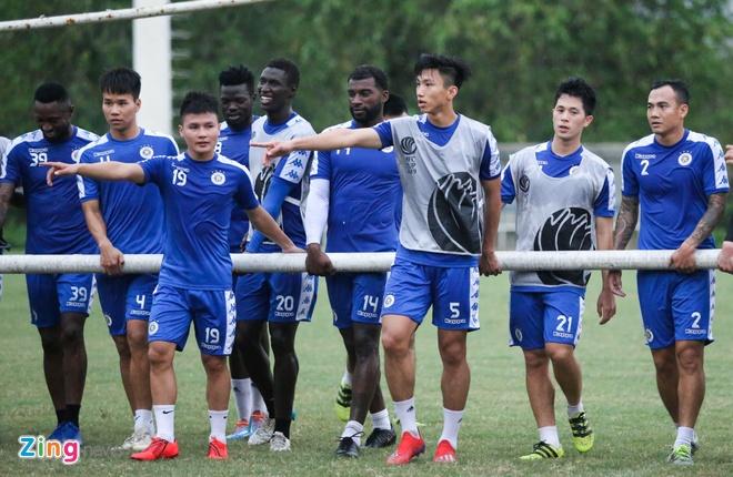 Tam quen that bai, Quang Hai cung dong doi huong den AFC Cup hinh anh 9