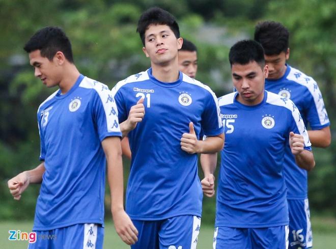 Tam quen that bai, Quang Hai cung dong doi huong den AFC Cup hinh anh 1