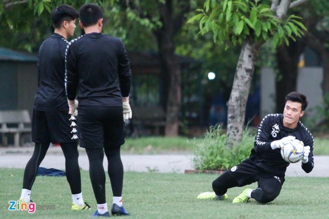 Tam quen that bai, Quang Hai cung dong doi huong den AFC Cup hinh anh 4