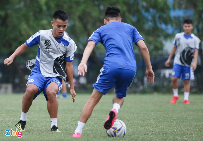 Tam quen that bai, Quang Hai cung dong doi huong den AFC Cup hinh anh 5
