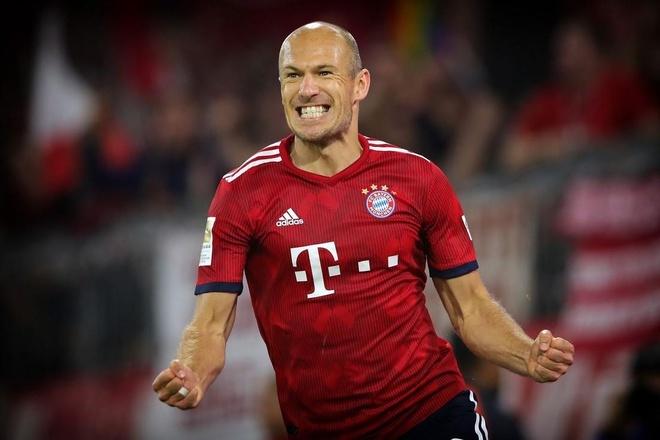 Nhung ban thang dep cua Robben sau 10 mua giai khoac ao Bayern hinh anh
