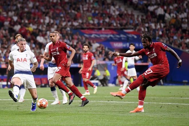 'Sieu du bi' Origi sut bong 100% thanh ban o Champions League hinh anh 1