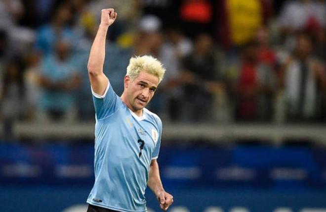 Uruguay 4-0 Ecuador: Cavani, Suarez toa sang hinh anh 1