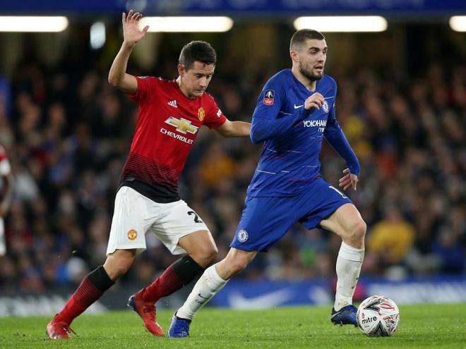 Tin Mibet: Tiền vệ người Croatia đã được đăng ký trong đội hình của Chelsea