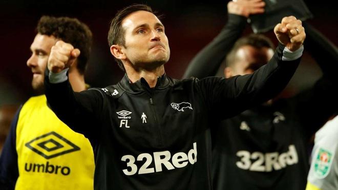 Chelsea đề nghị hợp đồng 3 năm với Lampard