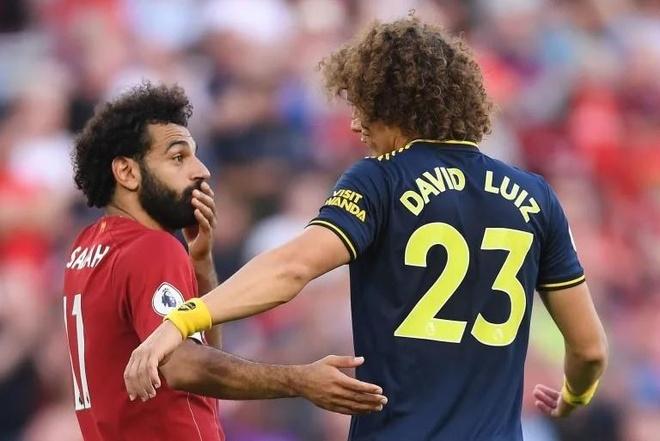 David Luiz keo ao Salah anh 1