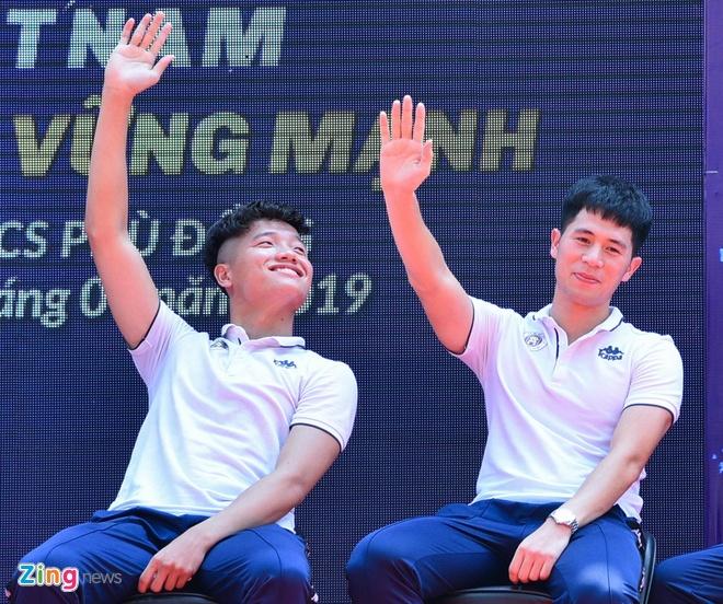 Quang Hai chia tay Nhat Le anh 1