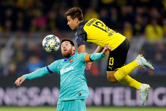 HLV Barca vo ve Messi sau tran hoa tai Champions League hinh anh 1