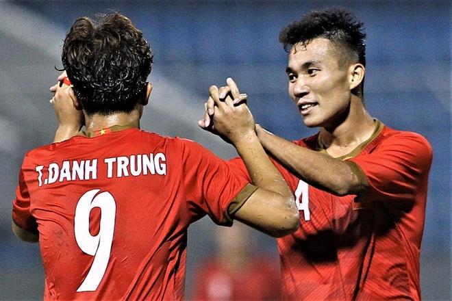 Danh Trung mo ty so cho U21 Viet Nam truoc Sinh vien Nhat Ban hinh anh