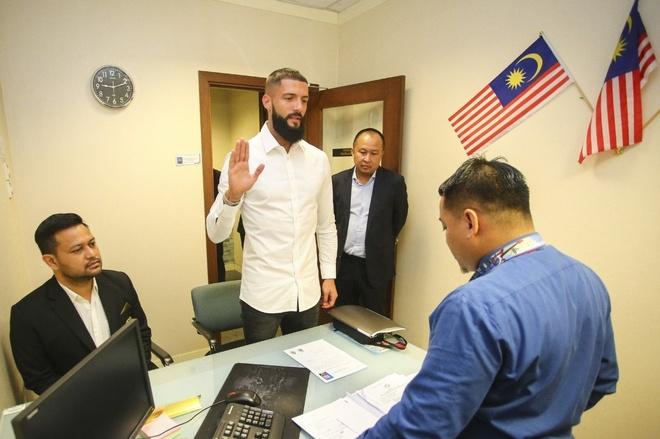 Malaysia bo sung cau thu nhap tich truoc tran gap Viet Nam hinh anh 1 malaysia2.jpg