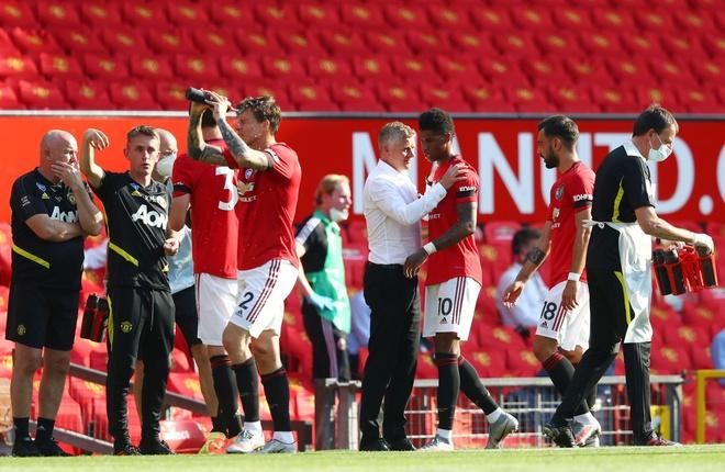 Man Utd dau voi Sheffield anh 1