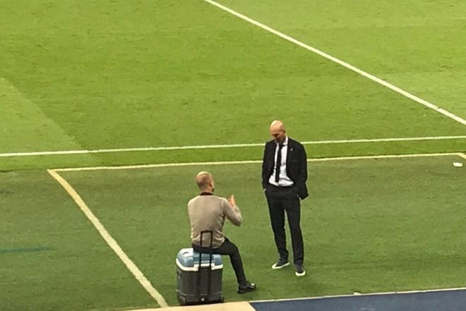 Pep noi chuyen voi Zidane anh 1