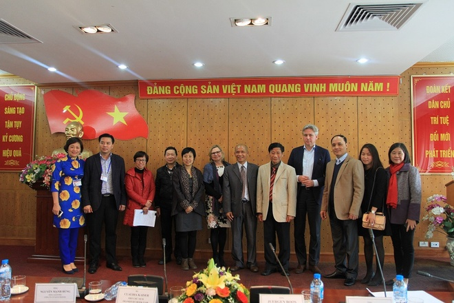 Chao mung Dai hoi dai bieu Hoi Xuat ban Viet Nam lan thu IV hinh anh 3