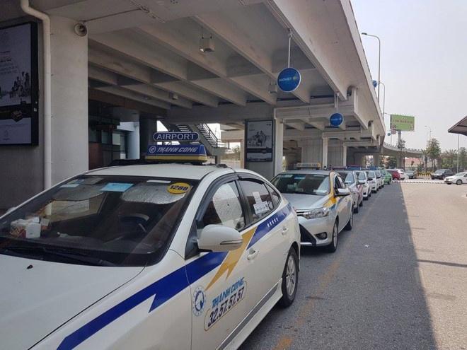 'Taxi truyen thong khong thay doi ve gia cuoc thi doi moi cung vo ich' hinh anh 2