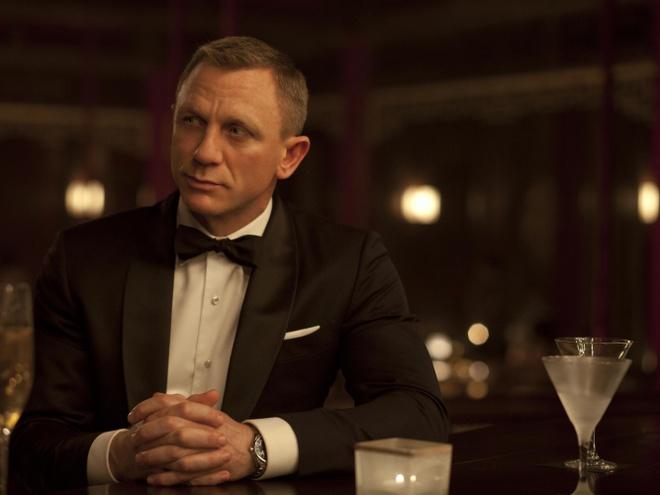 'James Bond da uong martini sai cach' hinh anh