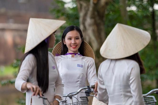 Tu Ha Noi, nen di Hue bang tau hoa hay may bay? hinh anh