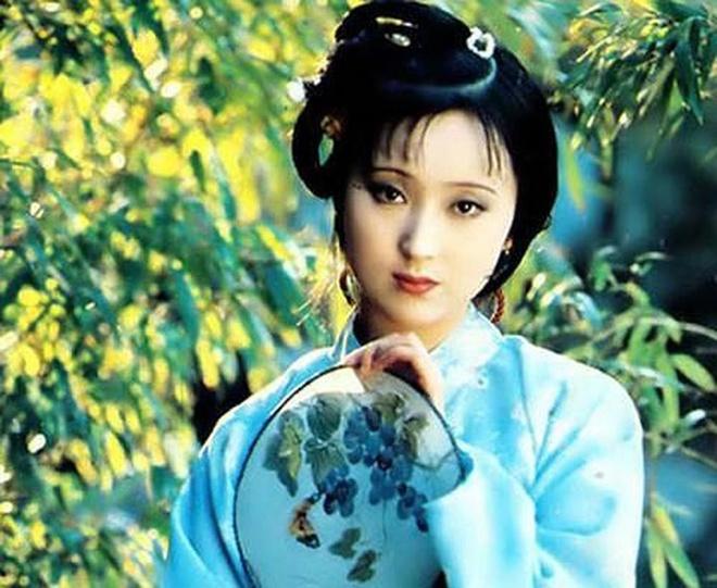 Vi sao hinh anh Lam Dai Ngoc chon hoa dep nhat 'Hong Lau Mong'? hinh anh 1