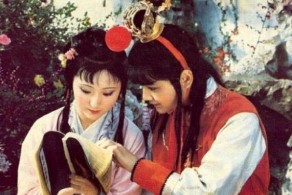 Vi sao hinh anh Lam Dai Ngoc chon hoa dep nhat 'Hong Lau Mong'? hinh anh 3