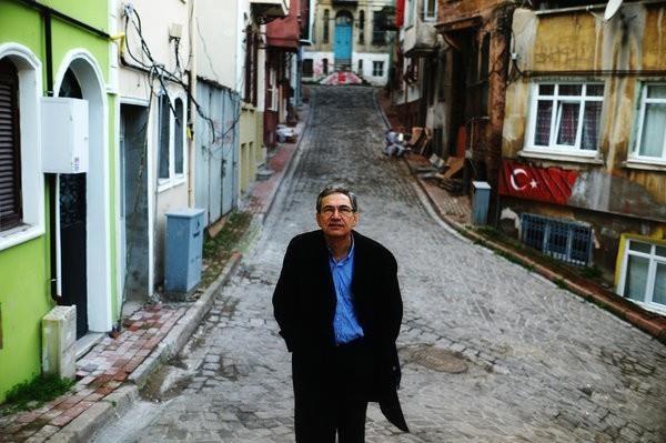 Nguoi danh ca doi tai dung chan dung thanh pho Istanbul hinh anh 2