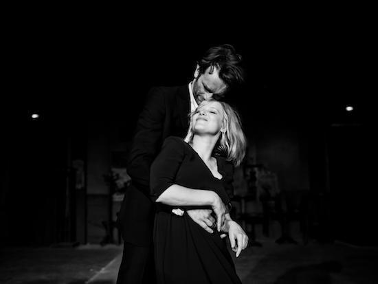 Tình yêu được Badiou tụng ca, là tình yêu truyền thống mang nhiều màu sắc lãng mạn. Ảnh: Thequietus.
