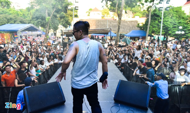 Sea Pride Music Festival: Dem nhac ung ho cong dong LGBT hinh anh 6