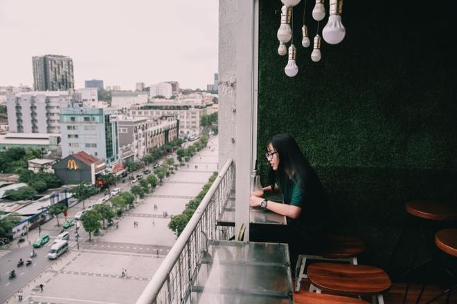 Canh buon ban sam uat trong chung cu cu duong Nguyen Hue hinh anh
