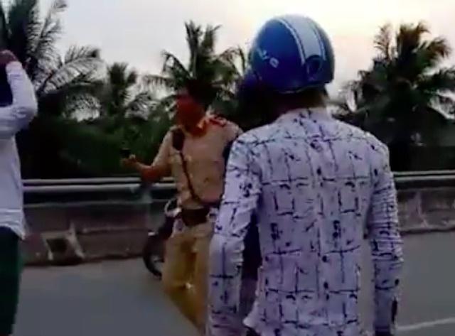 Cong an Ben Tre len tieng ve clip CSGT chia sung vao nguoi dan hinh anh