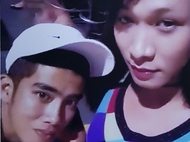 Khoi to cap 'dong tinh nam' gay an xong bo tron hinh anh