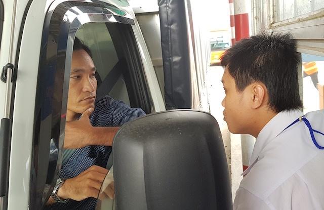 Tram BOT o Can Tho 'that thu' sau 15 phut tai xe phong toa lan thu phi hinh anh